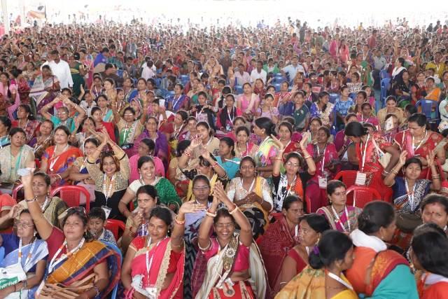 Dharmendra-Ujjwala-Didi