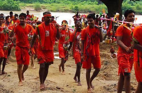 Bol Bam devotees throng Shiva Temples across Odisha on 1st